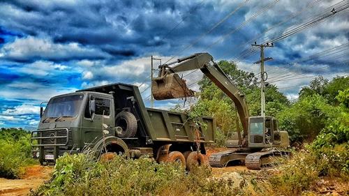 ทหารช่างกาญจนบุรี เร่งพัฒนาที่ดิน หลังยึดคืนที่ดิน ส.ป.ก.มาได้ให้เกษตรกร 389 ราย