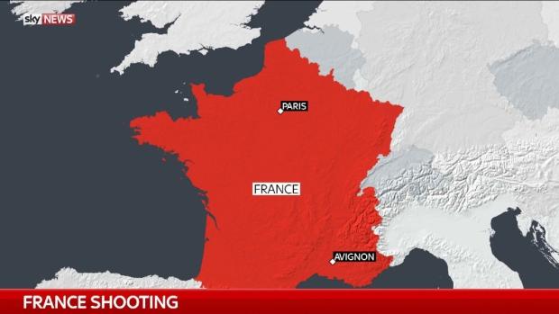 """ฝรั่งเศสผวาซ้ำ!! กราดยิงหน้ามัสยิดในเมือง """"อาวีญง"""" บาดเจ็บ 8 ราย อัยการเชื่อ """"ไม่ใช่ก่อการร้าย"""""""