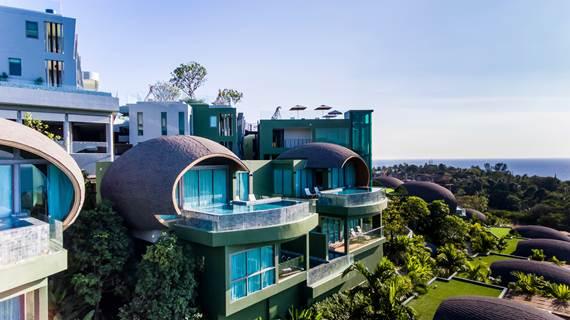 มาพักที่ Crest Resort & Pool Villas  ให้ธรรมชาติและวิวสวยๆ เยียวยาเรา
