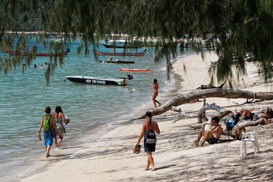 Thai officials sue news outlet for 'Death Island' tag