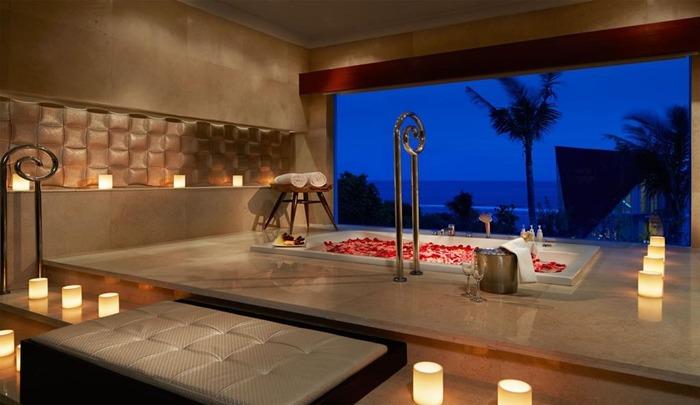 วิวจากห้องอาบน้ำ Samabe Bali Suites & Villas
