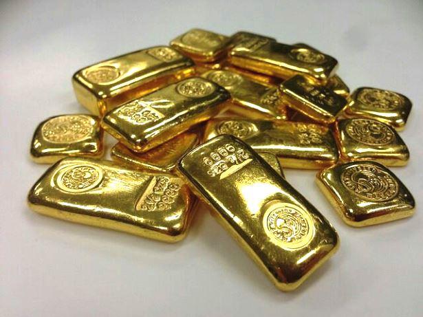 แอร์สาวญี่ปุ่นอึ้ง พบทองคำกว่า 10 กก.ซุกในผนังห้องน้ำเครื่องบิน