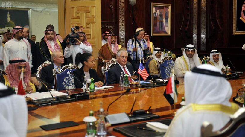 """UAE ขู่พร้อมคว่ำบาตรยาวจนกว่า """"กาตาร์"""" จะเปลี่ยนพฤติกรรม"""