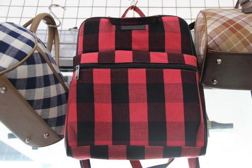 กระเป๋าเป้ขนาดกระทัดรัด