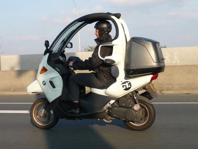 bmw c1 200 (ภาพจาก moto.zombdrive)