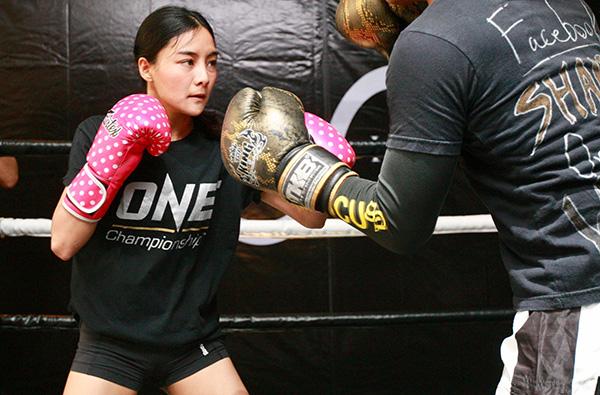 ริกะ อิชิเกะ หนึ่งในนักสู้ระดับแม่เหล็ก