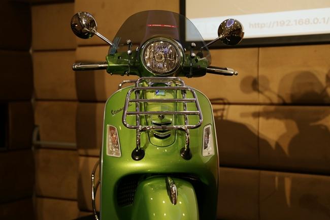 เวสป้า จีทีเอส ซูเปอร์ 300 ABS สีเขียวเมทัลลิก
