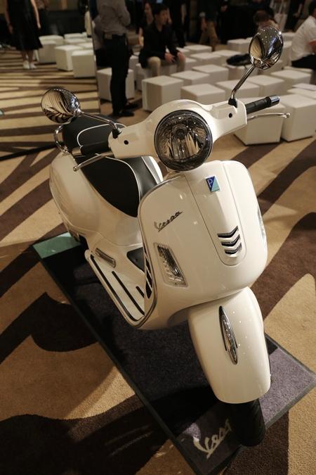 เวสป้า จีทีเอส ซูเปอร์ 150 ABS