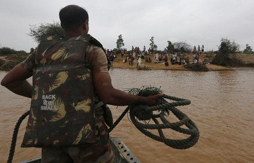 พบศพมนุษย์จมใต้โคลนอีก25ราย ยอดเหยื่อน้ำท่วมใหญ่ในอินเดียพุ่งเกือบ120คน