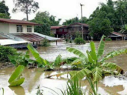 เร่งอพยพชาวกันทรลักษ์หนีน้ำท่วม หลังจมน้ำแล้ว 54 หมู่บ้าน