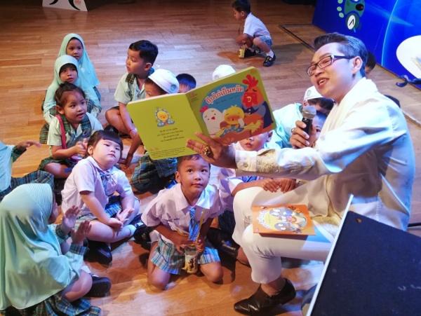 """นิทานภาพ """"กุ๊กไก่เป็นหวัด-กระจิบท้องเสีย"""" ช่วนเด็กเล็กดูแลสุขภาพตัวเองเป็น ลดใช้ยาพร่ำเพรื่อ"""