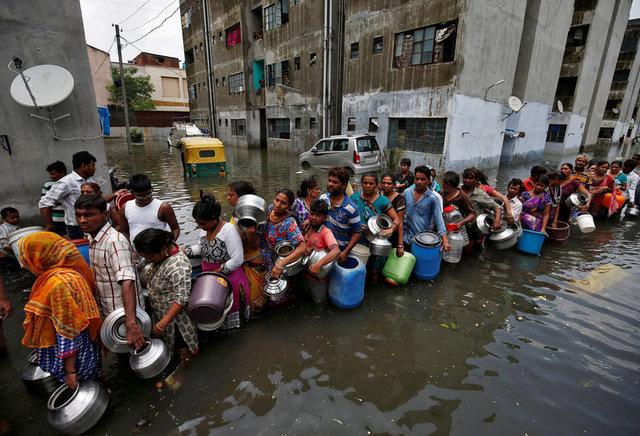 ฝนฟ้าคะนองจงระวัง!!ฟ้าผ่าชาวบ้านตาย21ศพท่ามกลางอุทกภัยในอินเดีย