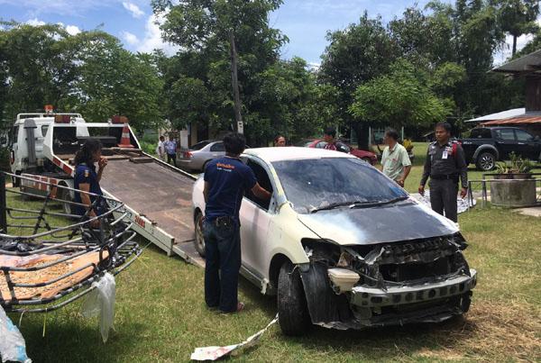 รถเก๋งของ สาวอบต. ที่ตำรวจตรวจยึดได้ในอู่ซ่อมทำสี ใน จ.อุบลราชธานี