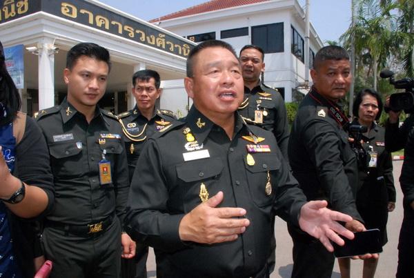พล.ท.วิจักขฐ์ สิริบรรสพ แม่ทัพภาคที่ 3 (แฟ้มภาพ)