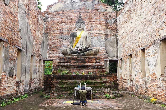 พระอุโบสถวัดบรมพุทธาราม ประดิษฐานพระพุทธรูปก่ออิฐถือปูนปางมารวิชัย