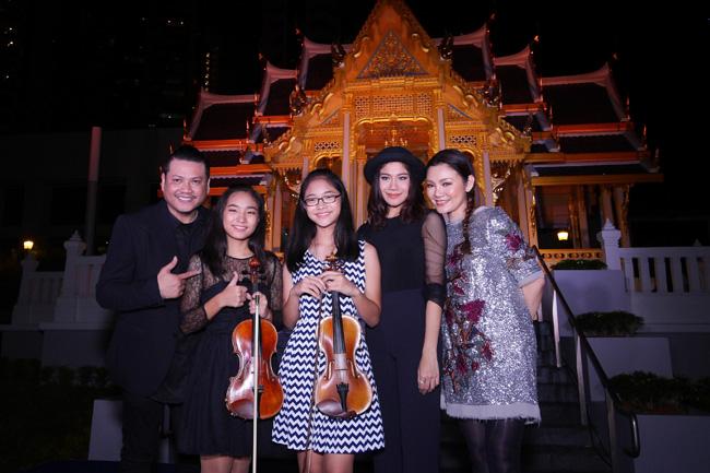 """""""พลพล –ปนัดดา– ลูกหว้า"""" ตัวแทนศิลปินแกรมมี่เดินทางร่วมงาน """"An Evening at the Pavilion Lawn"""" ที่ประเทศสิงคโปร์"""
