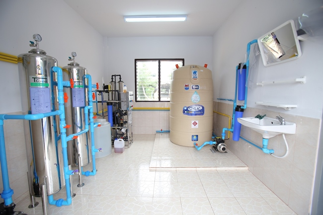 อาคารผลิตน้ำดื่มสะอาด