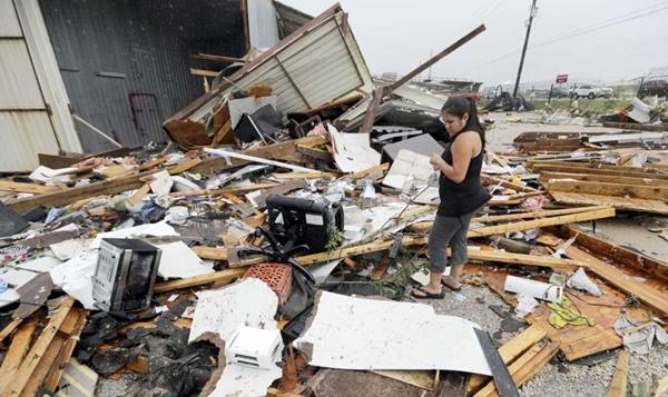 เทกซัสสังเวย 2 ศพจากพายุฮาร์วีย์ เตือนฝนตกหนัก-น้ำท่วมร้ายแรง