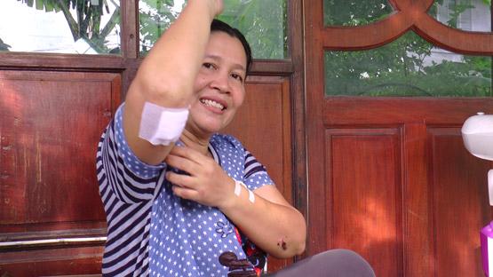 ชนแล้วหนี สาวฝากชาวโซเชียลช่วยตามหาเก๋งยาริสชนพ่อแม่บาดเจ็บ