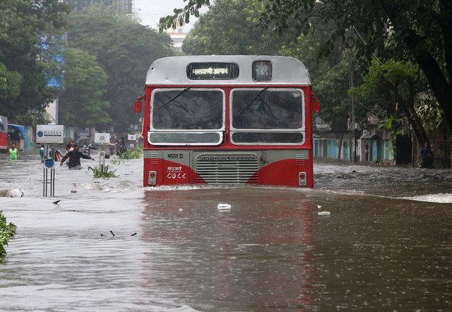 ยอดตายน้ำท่วมมุมไบพุ่งเป็น14ศพ สถานการณ์เริ่มผ่อนคลายหลังฝนตกน้อยลง
