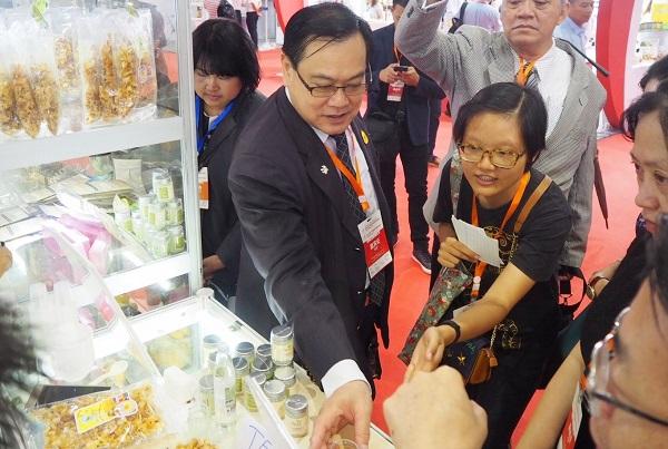 ผอ.สถาบันอาหาร แนะนำผลิตภัณฑ์แปรรูปจากมะพร้าวไทย