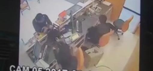 เร่งออกหมายจับคนร้ายบุกเดี่ยวปล้น ธ.ธนชาตสาขาบางโคล่ ตำรวจแนะมอบตัวบรรเทาโทษ