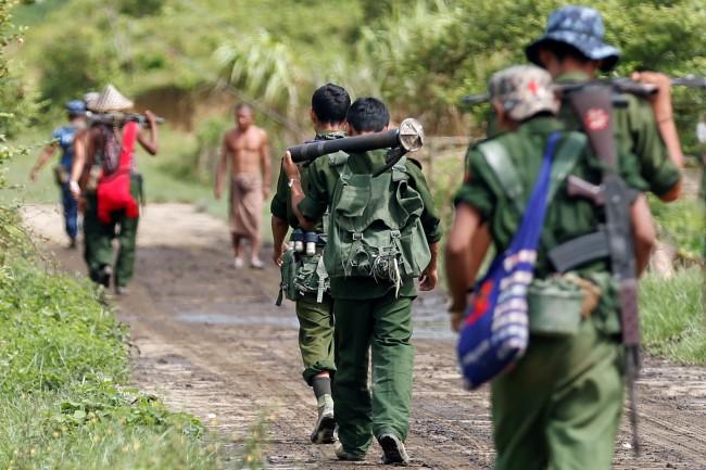 พม่ายันไม่มีนโยบายเจรจาผู้ก่อการร้าย ลุยปราบต่อแม้อีกฝ่ายประกาศพักรบ