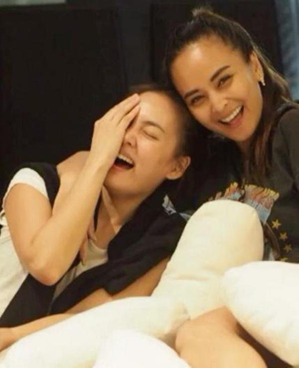 """จริงใจ ไม่ปลอม!! """"นานา"""" โพสต์คลิปอวยพรวันเกิด """"เจนี่"""" บอกภูมิใจที่ได้เป็นเพื่อนกัน"""