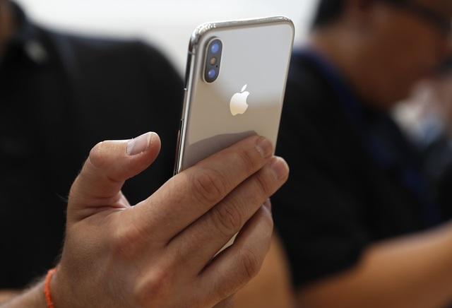 iPhone X ถูกตราหน้าว่ามีคุณสมบัติที่ตรงกับสมาร์ทโฟนรุ่นอื่นแล้ว บนคำการันตีว่าประสิทธิภาพดีกว่าเท่านั้น