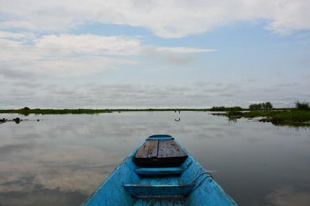 """ชาวบ้านเดียมพร้อมแล้วรับนักท่องเที่ยวยลโฉม """"ทะเลบัวแดง"""" ต่อเรือเพิ่มอีก 10 ลำ"""