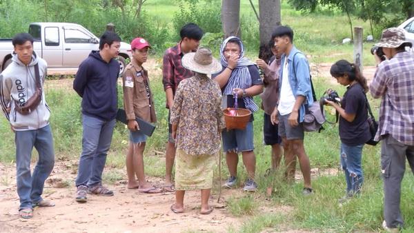 นักศึกษา ม.ขอนแก่นลงพื้นที่สำรวจป่าห้วยเม็ก ยันสภาพสมบูรณ์ไม่เข้าข่ายป่าเสื่อมโทรม(ชมคลิป)