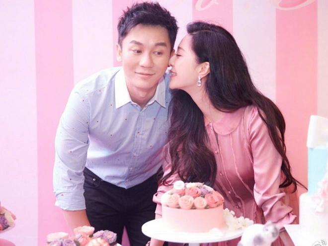"""""""ฟ่านปิงปิง"""" หมั้นแล้ว!! แฟนหนุ่มขอแต่งงานในงานวันเกิดของเธอ"""