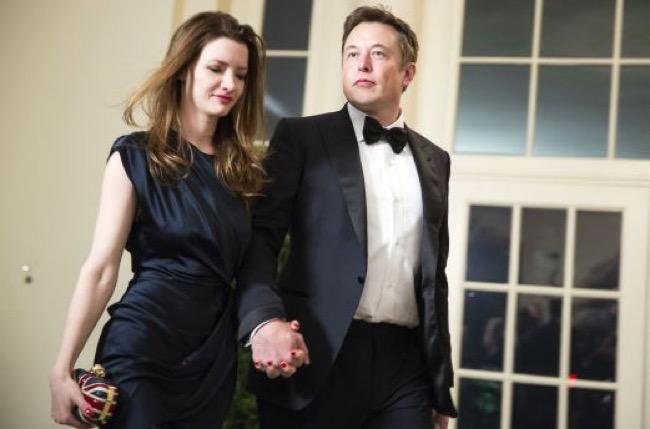 ชีวิตน่าทึ่งของ Elon Musk (อัปเดทล่าสุดปี 2017)