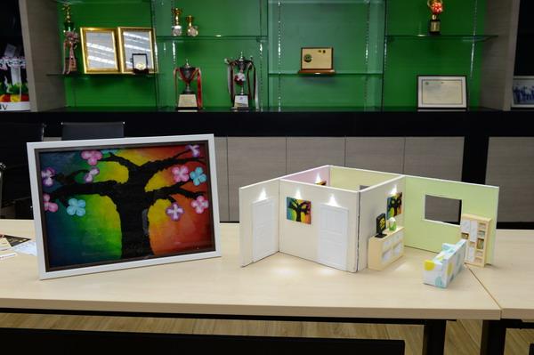 ผลงานภาพศิลปะจากถ่านเปลือกทุเรียนที่ลดก๊าซอันตรายในบ้าน (Air Purification Art)