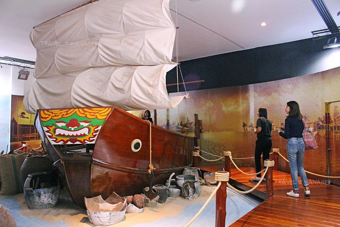 ภายในพิพิธภัณฑ์เฉลิมพระเกียรติ โครงการพัฒนาพื้นที่ลุ่มน้ำปากพนังฯ