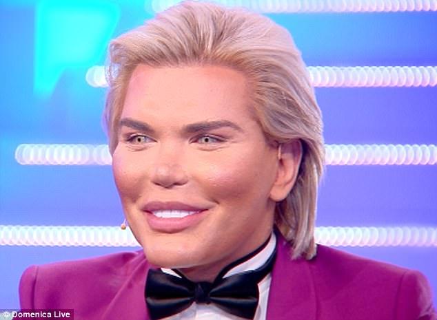 """หนุ่มศัลยกรรมเป็นตุ๊กตา """"เคน"""" เผยเหลือแต่อวัยวะเพศที่ไม่ปลอมอนาคตอาจตัดทิ้งแปลงร่างเป็น """"บาร์บี้"""""""
