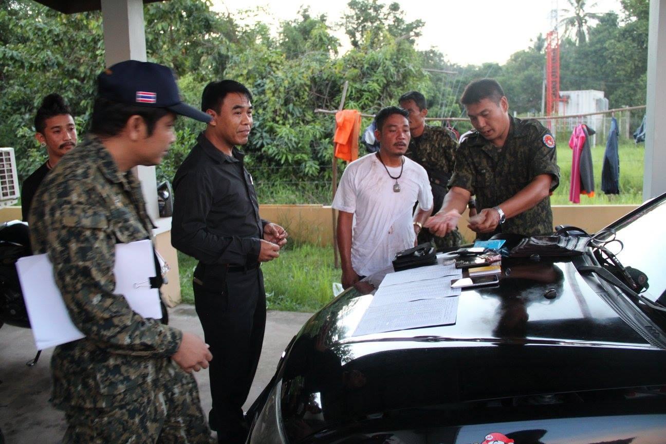 ทหารบุกรวบแก๊งเงินกู้ดอกโหดเมืองมหาสารคาม ลูกหนี้ขาดส่งดอกข่มขู่สารพัด(ชมคลิป)