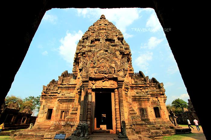 ปราสาทหินพนมรุ้ง สถานที่ท่องเที่ยวสำคัญคู่เมืองบุรีรัมย์