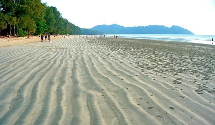 ริ้วทรายที่อ่าวใหญ่