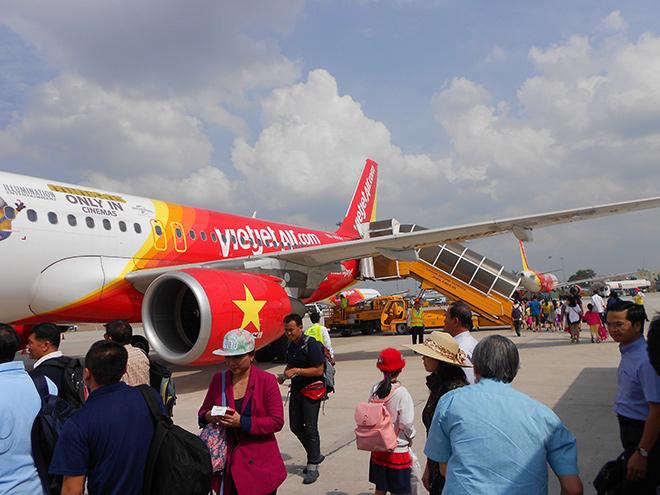 6 เดือนดีเลย์ 14,000 เที่ยวบิน เวียดนามเอือมออกกฎ 2 ชั่วโมงต้องแจกน้ำ 3 ชั่วโมงอาหาร 6 ชั่วโมงโรงแรม