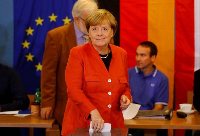 คอลัมน์ นอกหน้าต่าง: เลือกตั้ง'เยอรมนี'คาด'แมร์เคิล'เป็นนายกฯต่อ  แต่พรรค'นาซีใหม่'จะได้เข้านั่งในสภาครั้งแรก