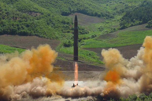 """สะดุดคำ : """"มิไซรุ"""" การท้าทายโลกด้วย """"ขีปนาวุธ"""" ของเกาหลีเหนือ"""