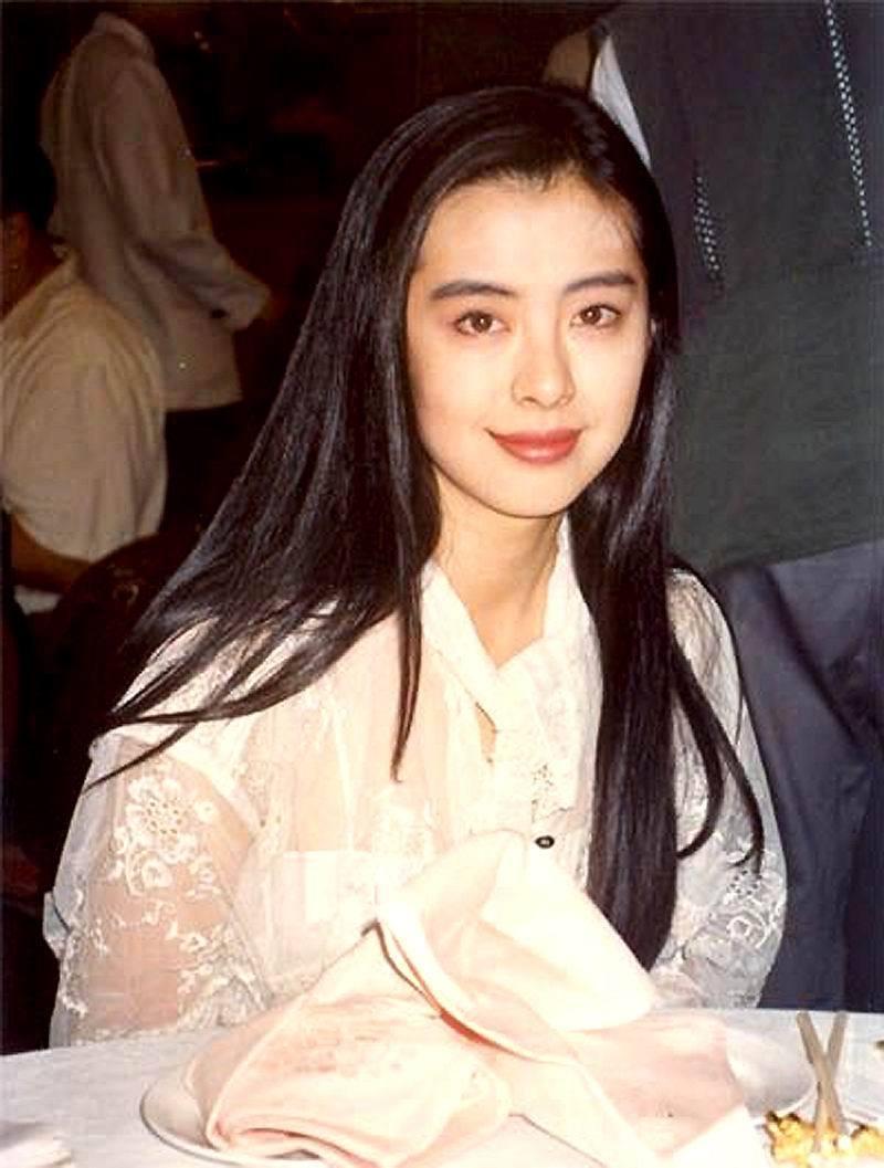 ภาพในอดีตสมัยที่โด่งดังในวงการหนังฮ่องกง