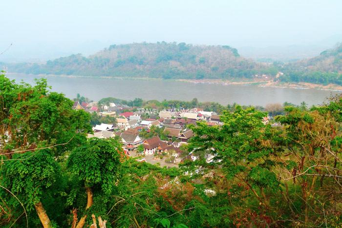 แม่น้ำโขงช่วงไหลผ่านเมืองหลวงพระบาง สปป.ลาว