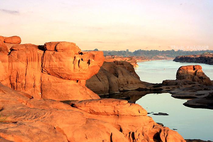 แม่น้ำโขง บริเววณสามพันโบก จ.อุบลราชธานี
