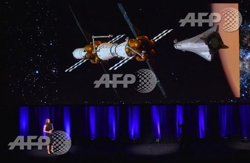 Lockheed Martin unveils reusable water-powered Mars lander