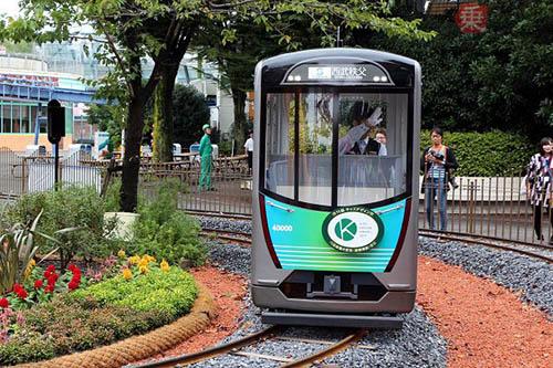 เครื่องเล่นใหม่สำหรับคนชอบรถไฟที่สวนสนุกโทชิมะเอน