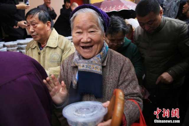 สำรวจพบ คนจีนอายุยืนเพิ่มขึ้น 8.6 ปี ผลลัพธ์แห่งปฏิรูปการแพทย์