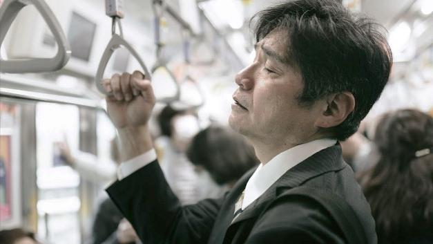 """เปิดรายงานรัฐบาลญี่ปุ่น คนขับรถ,ไปรษณีย์ """"ทำงานหนักจนตาย"""" มากที่สุด"""