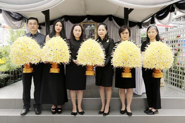 เอไอเอ ประเทศไทย ส่งมอบดอกไม้จันทน์ 10,000 ดอก